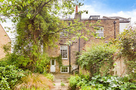 Beautiful 4 bedroom townhouse with large private garden located in Chiswick W4