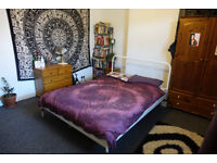 Huge room available in shared house in Easton, just off St. Marks, £395 ALL IN