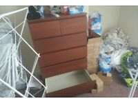 Chest of drawers + matching bedside lockers (2)