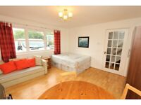 LAST LARGE ROOM IN GREENWICH AVAILABLE FROM NOVEMBER