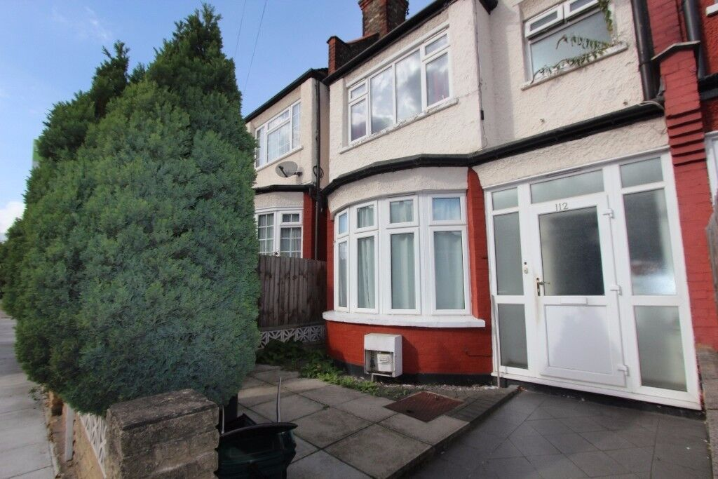 INCLUSIVE OF BILLS - DOUBLE ROOM AVAILABLE IN WOOD GREEN, N22 - SORRY NO DSS