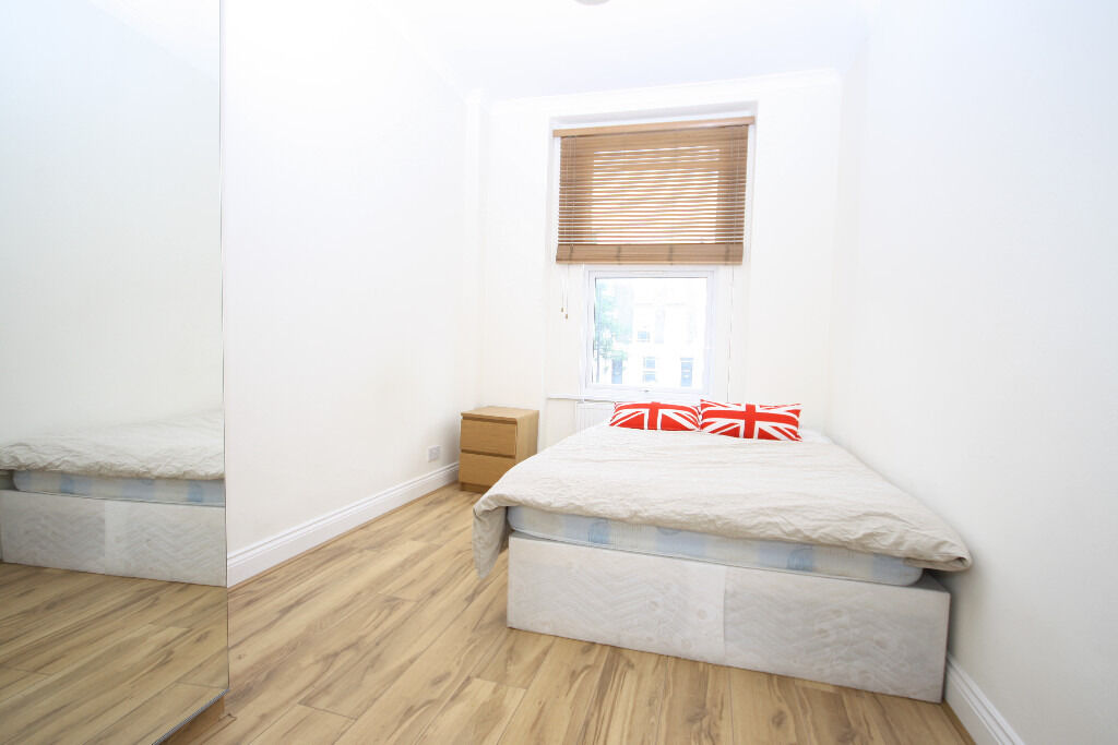 Fully furnished two bedroom apartment in a period terrace minutes from New Cross station