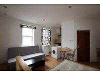 A SPACIOUS & MODERN STUDIO FLAT AVAILABLE IN WHITECHAPEL - SEPARATE BATHROOM - MINS FROM STATION
