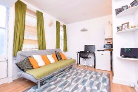 *PRICE REDUCTION* A lovely one double bedroom flat split over two levels, located on Shorrolds Road.