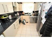 Spacious Unfurnished Three Bed Flat with Balcony N14