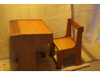 Childs matching desk & chair
