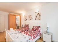 2 BED, 2 BATHROOM APARTMENT, GREENWICH SE10 + Private Balcony, Jubilee Tube Line Walking Distance !!