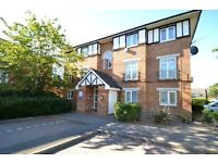 ONE BEDROOM GROUND FLOOR APARTMENT - £1300.00PCM - AVAILABLE NOW - CALL US TODAY