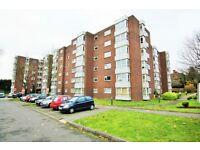 3 bedroom flat in Raffles House, Brampton Grove, Hendon, NW4