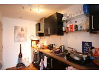 One Double room share, in a fantastic location LS18