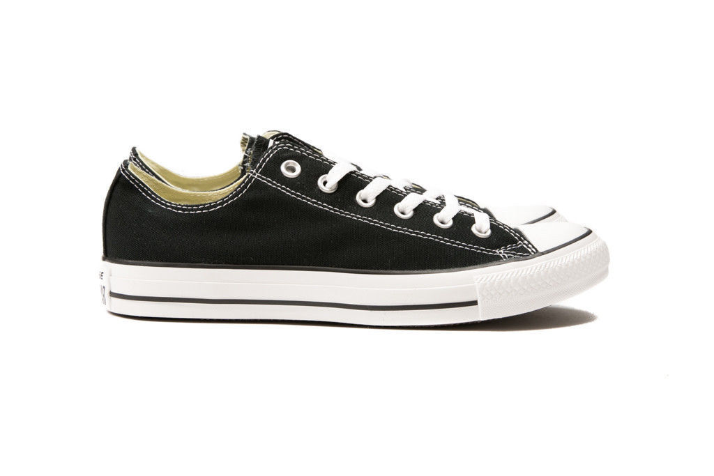 Converse Chuck Taylor All Star Black Low Top OX M9166 Canvas New in Box