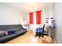 lovely two double bedroom flat based in Brockley minutes from the high street