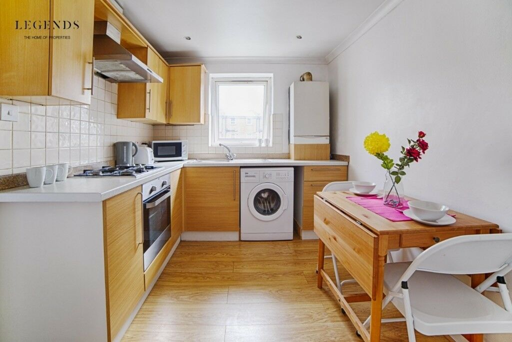 Room For Couples To Rent Zone 2 Limehouse Great