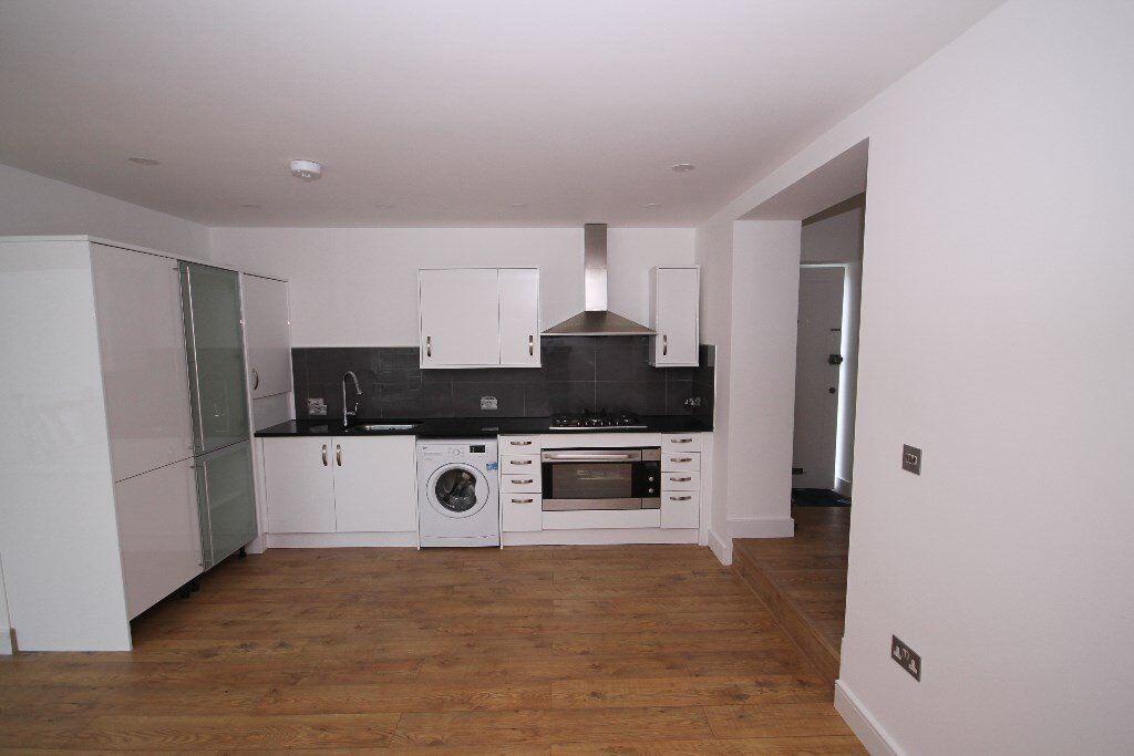 Stunning 4 bedroom flat - Newly refurbished - Great location