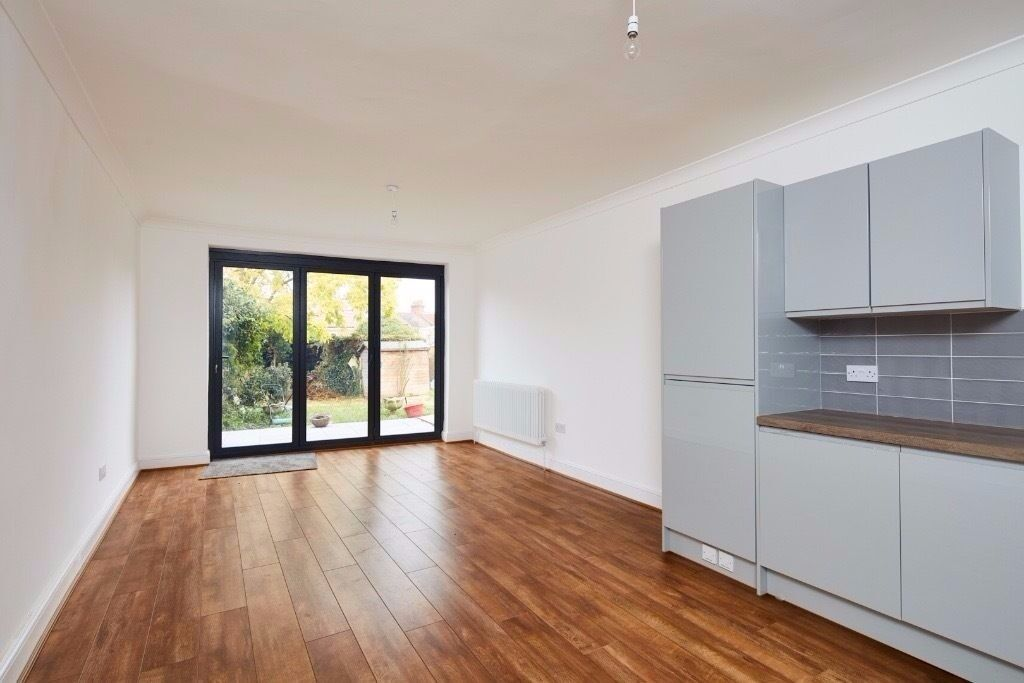 Newly refurbished immaculate 2 Bedroom garden Flat