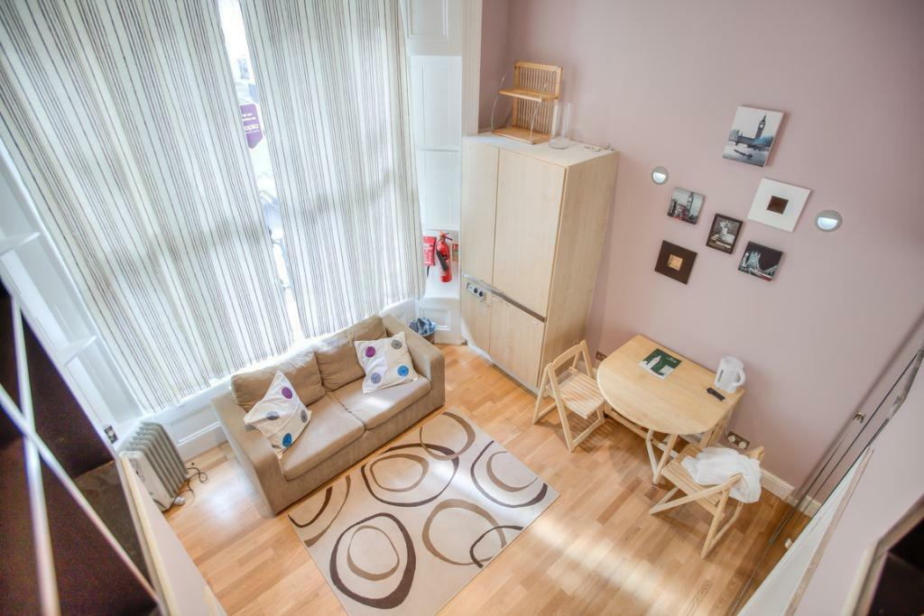 SHORT LET *BIG SPLIT LEVEL STUDIO from now ****£75 per night *** *ZONE 1 /NOTTING HILL