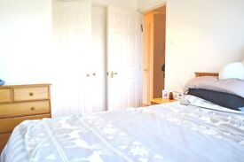 Amazing!!Two bedroom flat to rent on Bunns lane, free parking, Mill hill, NW7.