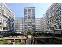 2 Bedroom 2 Bath Flat in an excellent location minutes away from Elephant and Castle Station