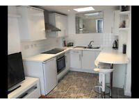 Fantastic one bed flat by Surbiton station