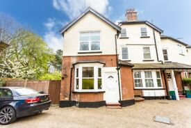 Stunning Newly Refurbished 2 Bedroom House- 5 Minute Walk to Purley Station