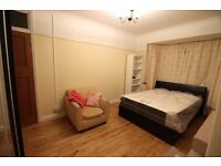 2 DOUBLE ROOMS AVAILABLE IN 4 BED FLAT IN EARLSFIELD WANDSWORTH BILLS INCLUDED GREAT CONDITION SW18