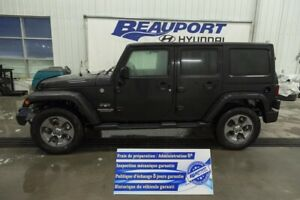 2017 Jeep WRANGLER UNLIMITED 4 DR SAHARA Auto * Gps * A/c * Mags