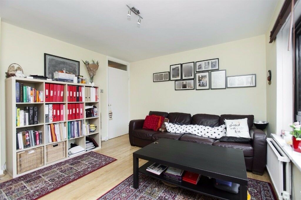 2 Bed Flat Available Now in NW6 - Ideal for Professionals - Walking Distance to Amenities & Stations