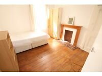 Immaculate 3 Bed in Stockwell w/ Garden