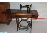 1930 model 66K Singer sewing machine - treadle operated - working