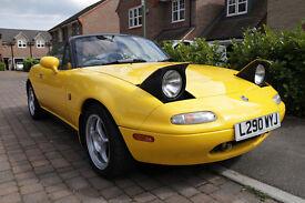 Mazda MX5 1.8 Mk1 1994 Eunos Roadster J-Ltd II Yellow Classic Sports Car