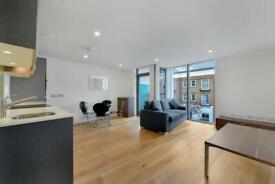 1 bedroom flat in The Arc, Packington Street, Islington N1