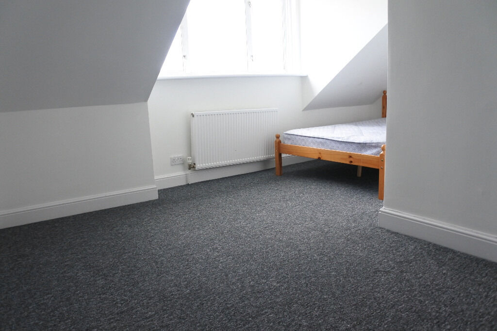 Great five double bedroom house in Muswell Hill --newly refurbished--