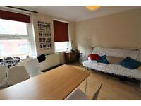 Low rent Most Prime Location 3 Bedrooms Maisonette near Aldgate Statio