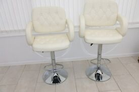 PAIR OF FAUX LEATHER KITCHEN BARSTOOLS