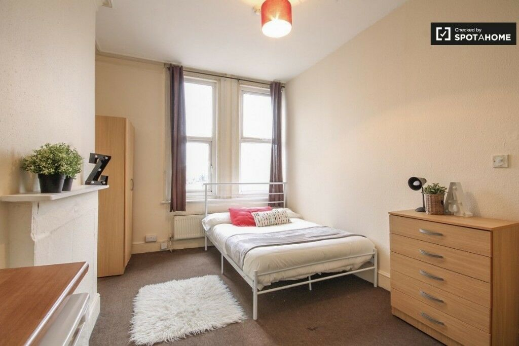 ***** LOVELY DOUBLE ROOM IN KILBURN - SINGLE USE *****