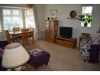 Double room available in a 2 bedroom flat