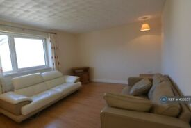 3 bedroom flat in Dunphail Drive, Glasgow, G34 (3 bed) (#433357)
