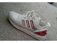 Genuine girls trainers Adidas flux only worn a few times size 2.5
