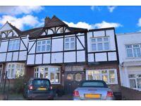 REDBRIDGE, FULLY EXTENDED 5 BEDROOM FAMILY HOUSE, 5 MIN WALK TO REDBRIDGE TUBE