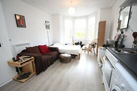 Wonderful FIRST FLOOR studio flat in Hornsey N8