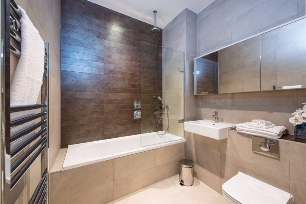 Stunning 1 bed, 1 bath, GROUND FLOOR, FURNISH, near DLR Nautilus House, 14 West Row, Ladbroke Grove