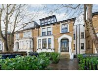3 bedroom flat in Queens Drive, London, N4 (3 bed) (#1078671)