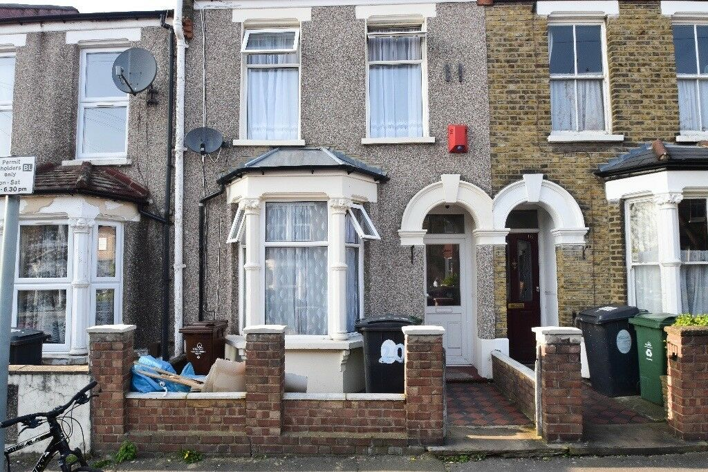 STUNNING 5 Bed Terraced House In Walthamstow - 10mins Walk From Blackhorse Road Station!