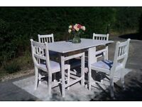 Pretty Vintage 1940's Drop Leaf Dining Table and 4 Chairs.