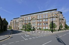 Popular Royal Arsenal Riverside 2 Bedroom Apartment - SE18