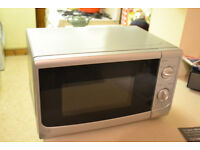 17 litre Silver Microwave in full working order