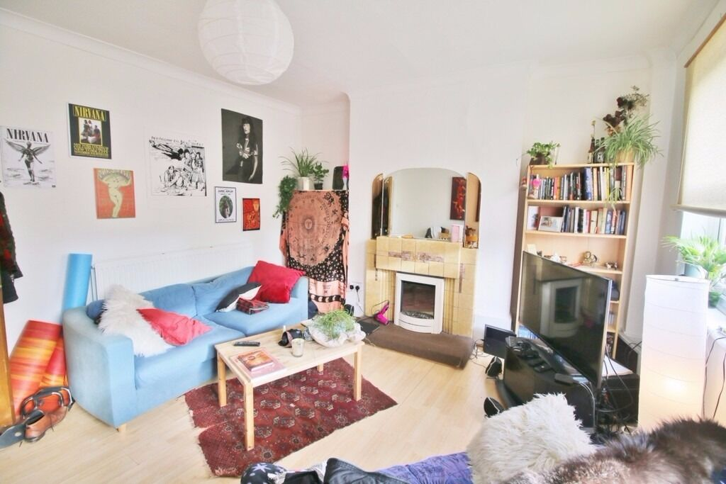 ***GREAT LOCATION*** SPACIOUS 2 BEDROOM BALLS POND ROAD, ISLINGTON N1***