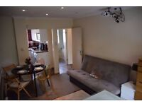 LARGE AND AMAZING 1 BEDROOM FLAT WITH BALCONIES CLOSE TO APOLLO THEATRE~~