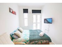 Studio on Fairholme Road with balcony West Kensington £390pw SHORT LET