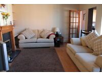 Beautiful fully furnished 2 bed flat to let